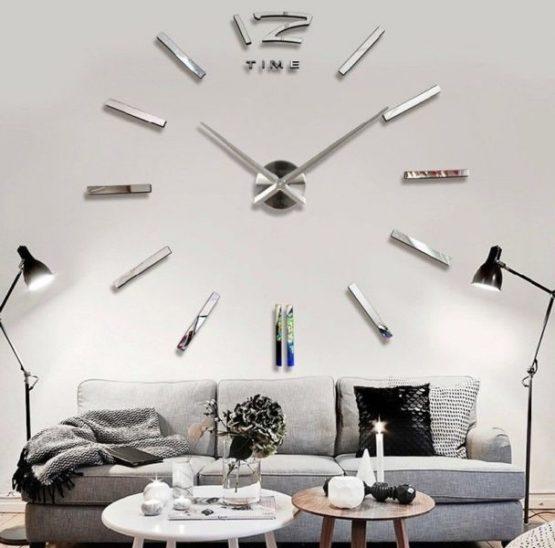 Mirrored Clock 5