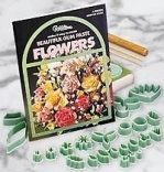 GUM PASTE FLOWER KIT 4