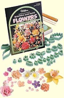 32 PIECE GUM PASTE FLOWER KIT